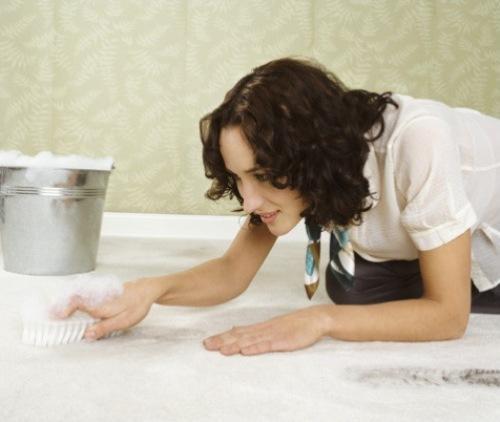 Как чистить ковролин самостоятельно?