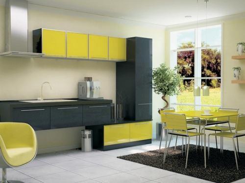 Растения на желтой кухне