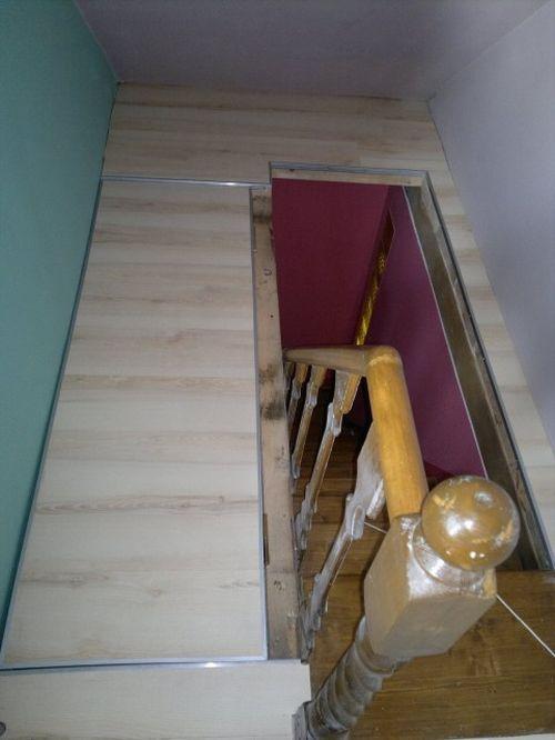 Выход на чердак по лестнице