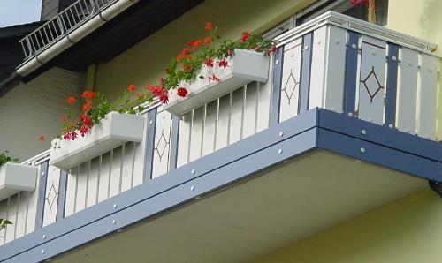 Монтаж балконных плит