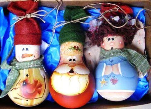 Новогодние игрушки из лампочек просто украсить свою елку