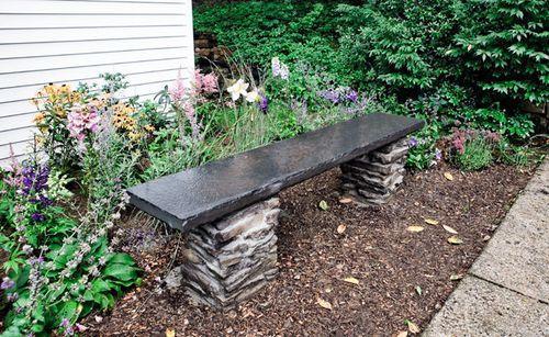 Каменная скамейка для дачи