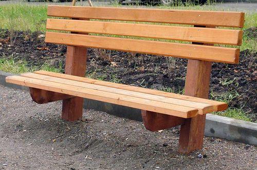 Простая скамейка для дачи