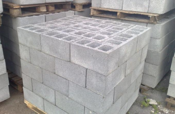 Сколько шлакоблоков в кубе