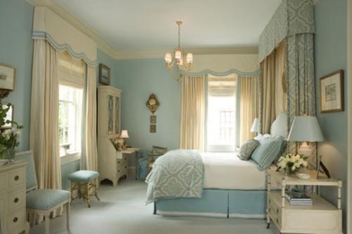 Мебель в голубой спальне