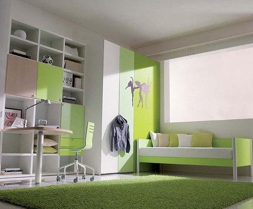 Спальня с травянистым оттенком зеленом цвете