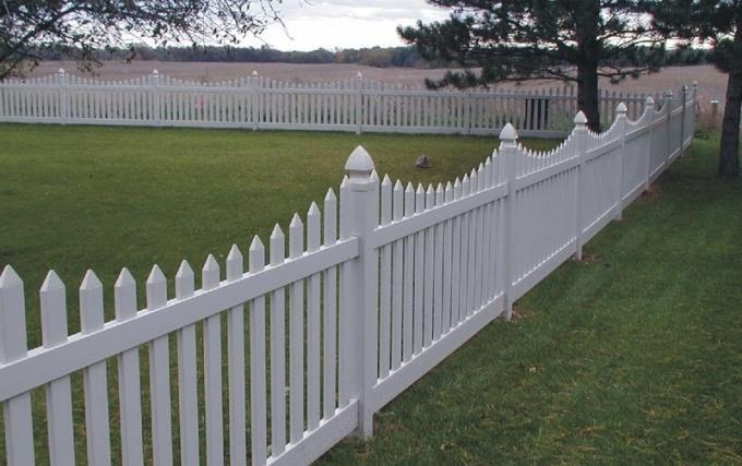 Забор из металлической решетки 36