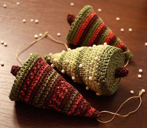 Вязаные игрушки для елки