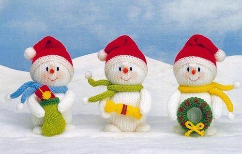 Вязаные снеговики на елку