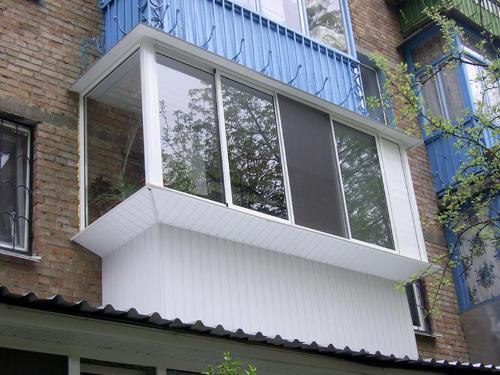 Вынос балкона по подоконнику. Преимущества