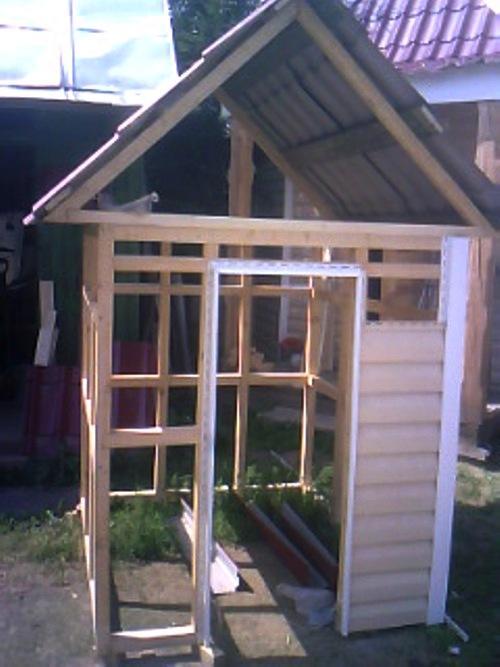 Обшиваем домик снаружи сайдингом