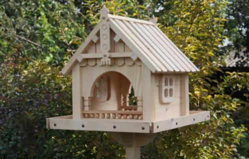 Кормушка деревянный домик