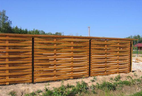 Плетеный деревянный забор. Фото 2