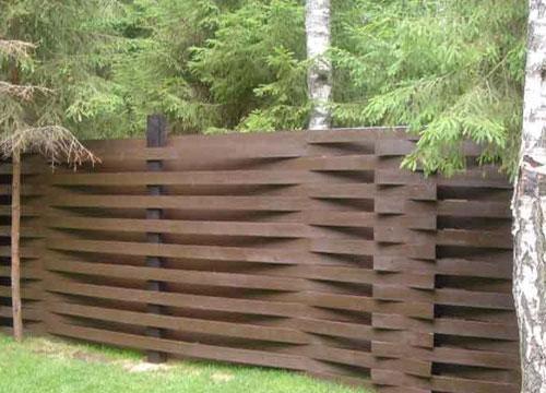 Плетеный деревянный забор. Фото 4