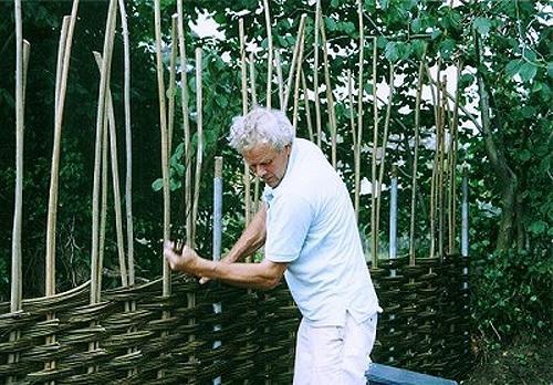 Плетеный забор своими руками. Изготовление