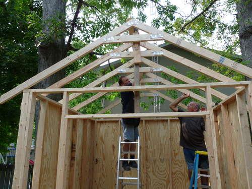 Строим крышу сарая