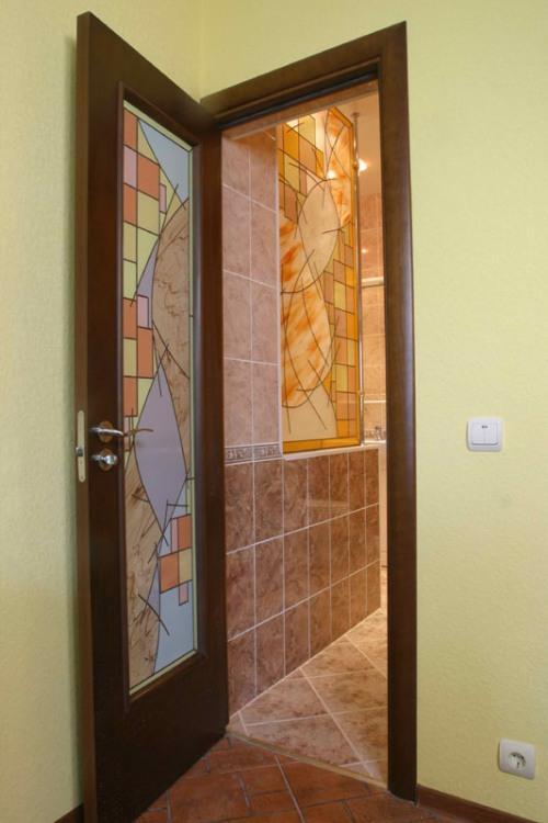 Двери в ванную комнату. Фото 2