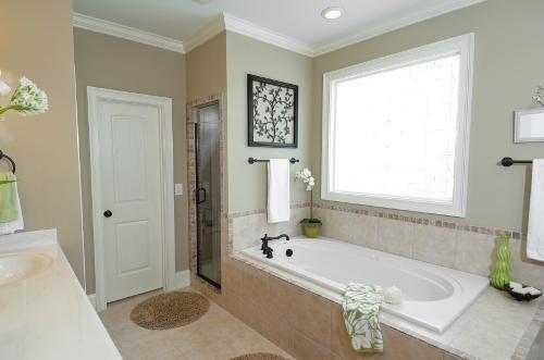 Двери в ванную комнату. Фото 6