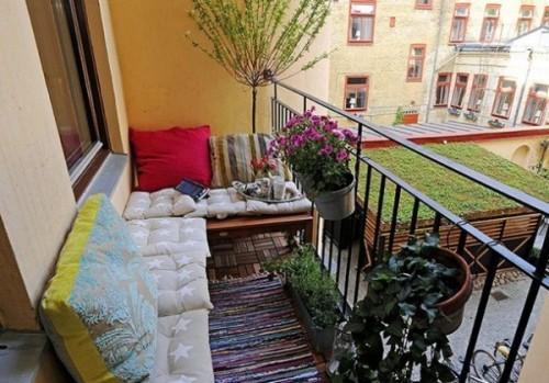 Интерьер маленького балкона. Фото 14