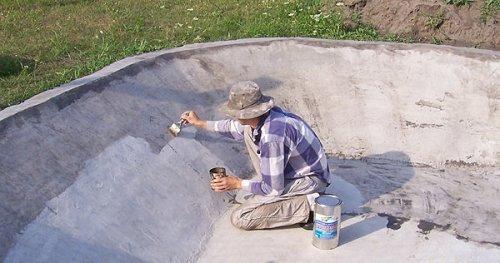 Вскрываем бетон акриловой грунтовкой в 3 слоя