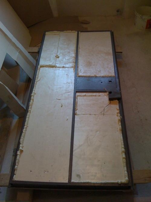 Как утеплить железную входную дверь? Фото 3