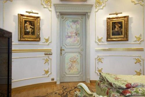 Декорирование двери художественной росписью