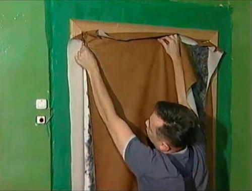 Обивка дверей дермантином