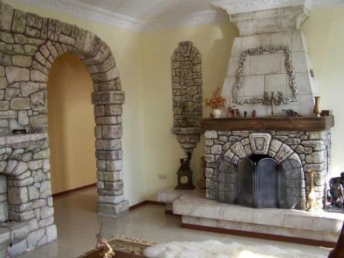 Отделка дверных проемов декоративным камнем. Фото 3
