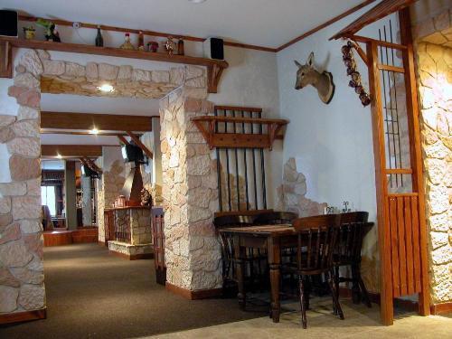 Отделка дверных проемов декоративным камнем. Фото 4