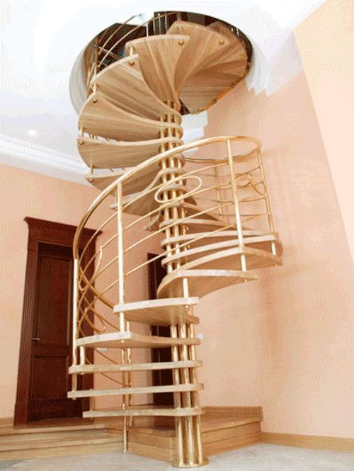 Винтовая лестница на мансарду. Фото 2