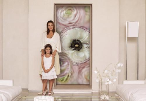 Декор дверей фотообоями
