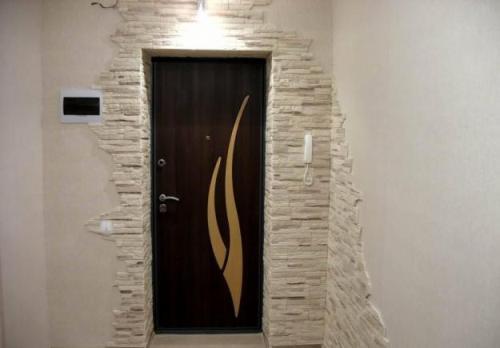 Декоративный камень в интерьере квартиры. Фото 8