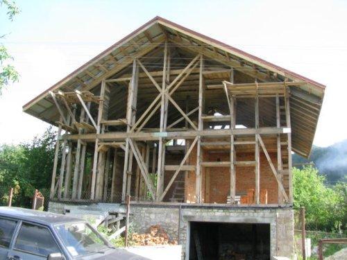Крыша соломенного дома