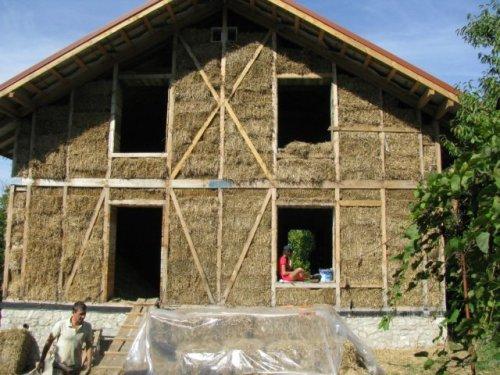 Дом из соломы. Как построить дом из соломы? Фото