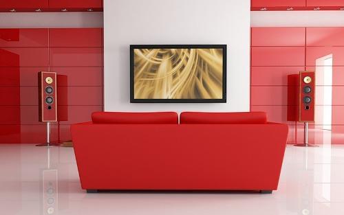 Гостиная с красным диваном. Фото 7