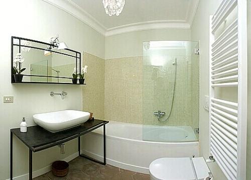 Интерьер маленькой ванной комнаты. Фото 5