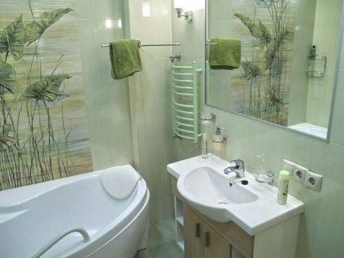 Интерьер маленькой ванной комнаты. Фото