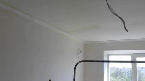 Потолок под поклейку обоев