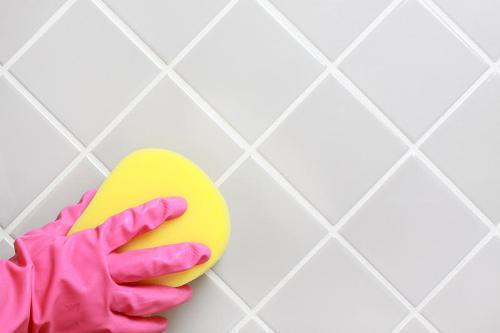 Как очистить керамическую плитку?