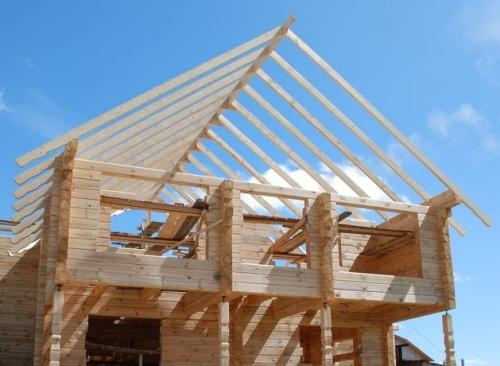 Как построить крышу? Крыша в доме из бруса