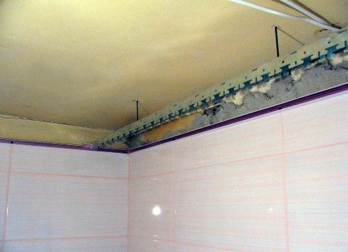 Монтаж гребенки реечного потолка