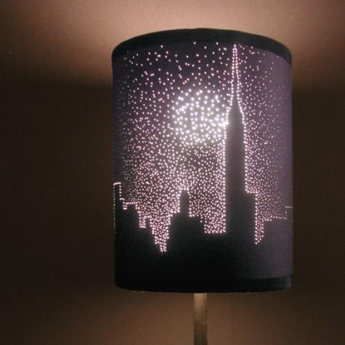 Необычный светильник из перфорированной бумаги