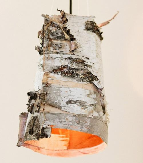 Необычный светильник из коры березы