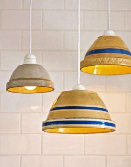 Необычный светильник из тарелок