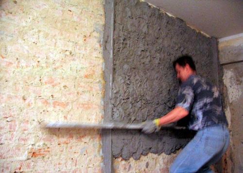 Как штукатурить стену