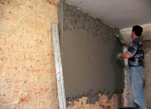 Как правильно штукатурить стену