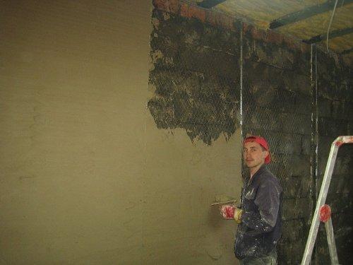 Как правильно штукатурить стену из пеноблоков