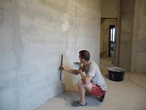 Как выполняется шпаклевка стен своими руками?