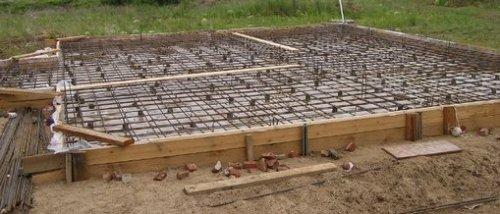 Сколько арматуры надо на плитный фундамент?