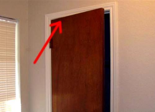 Размещение тайника в дверном полотне